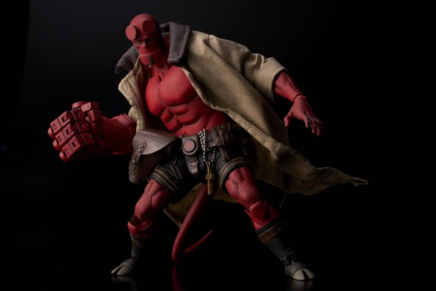 Hellboy 1/12 scale Hellboy Action Figure-9554