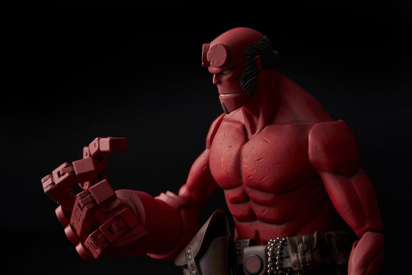 Hellboy 1/12 scale Hellboy Action Figure-9555