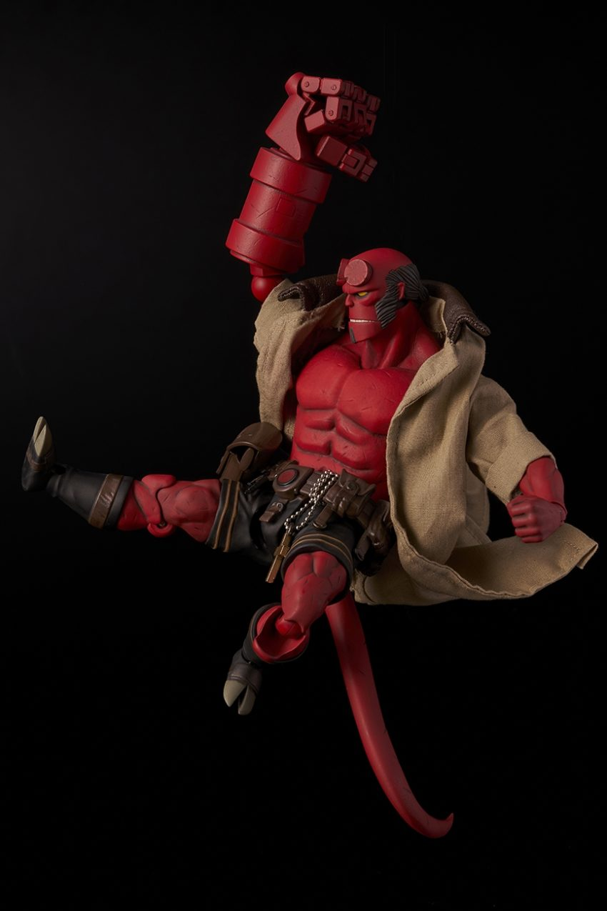 Hellboy 1/12 scale Hellboy Action Figure-9559